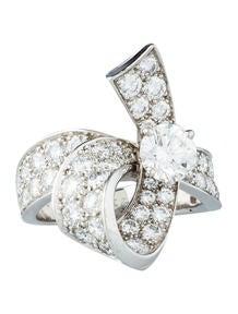 Van Cleef & Arpels 3.18ctw Diamond Ribbon Ring