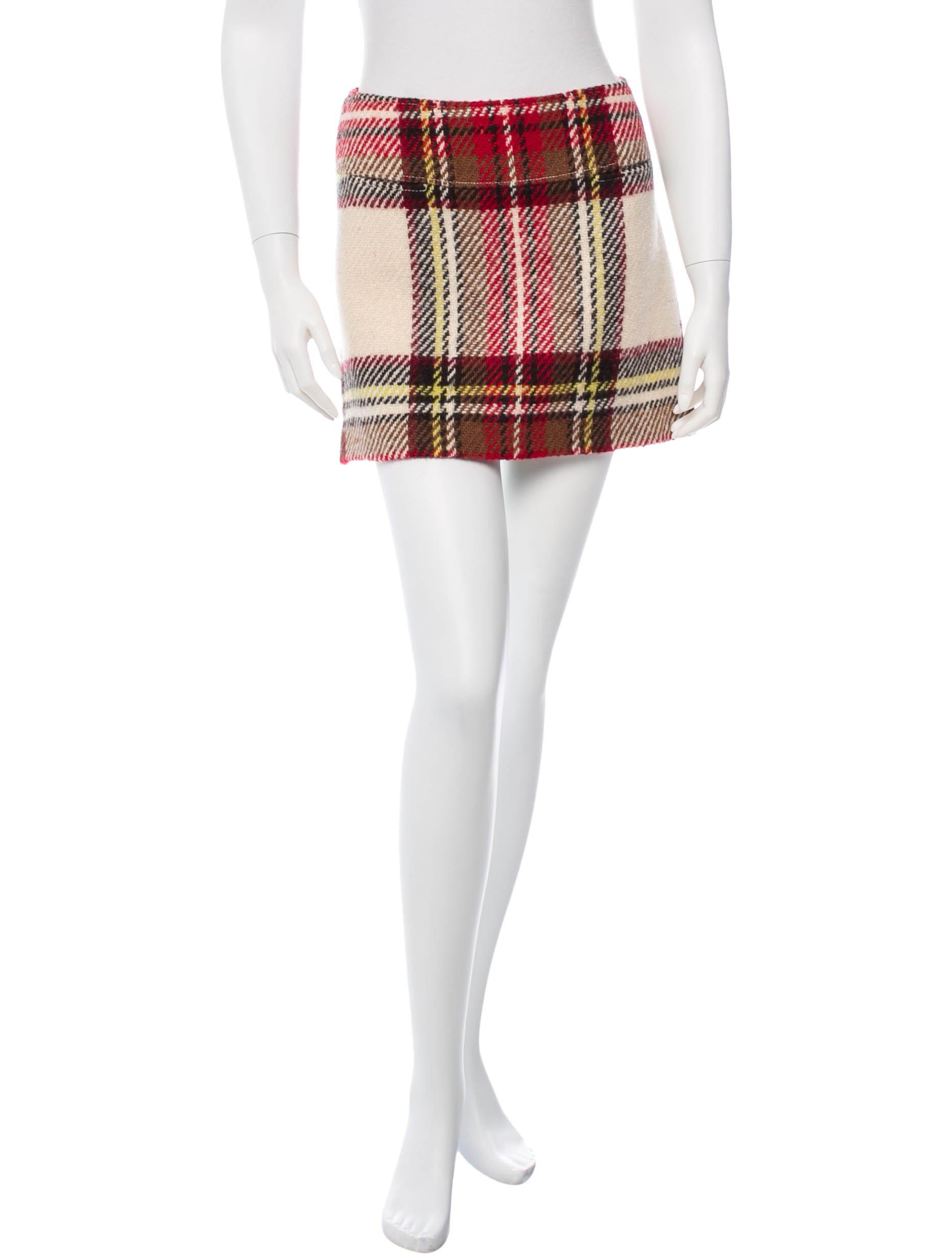 burberry wool mini skirt clothing bur45642 the realreal