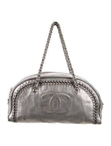Chanel Medium Luxe Ligne Bowler Bag None