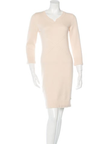 Chanel Cashmere Knee-Length Dress None