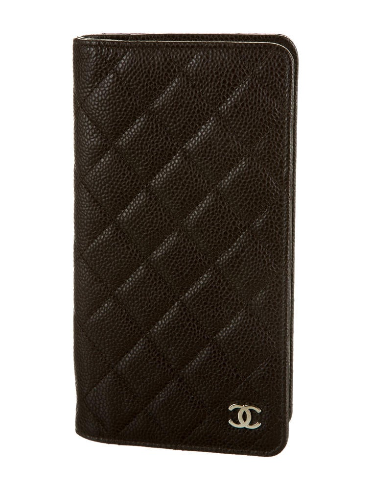 Business Checkbook Cover ~ Chanel checkbook cover accessories cha the realreal