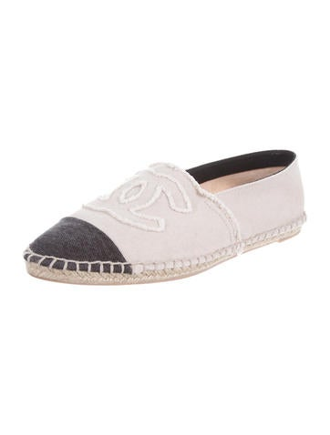 chanel canvas espadrilles shoes cha61370 the realreal