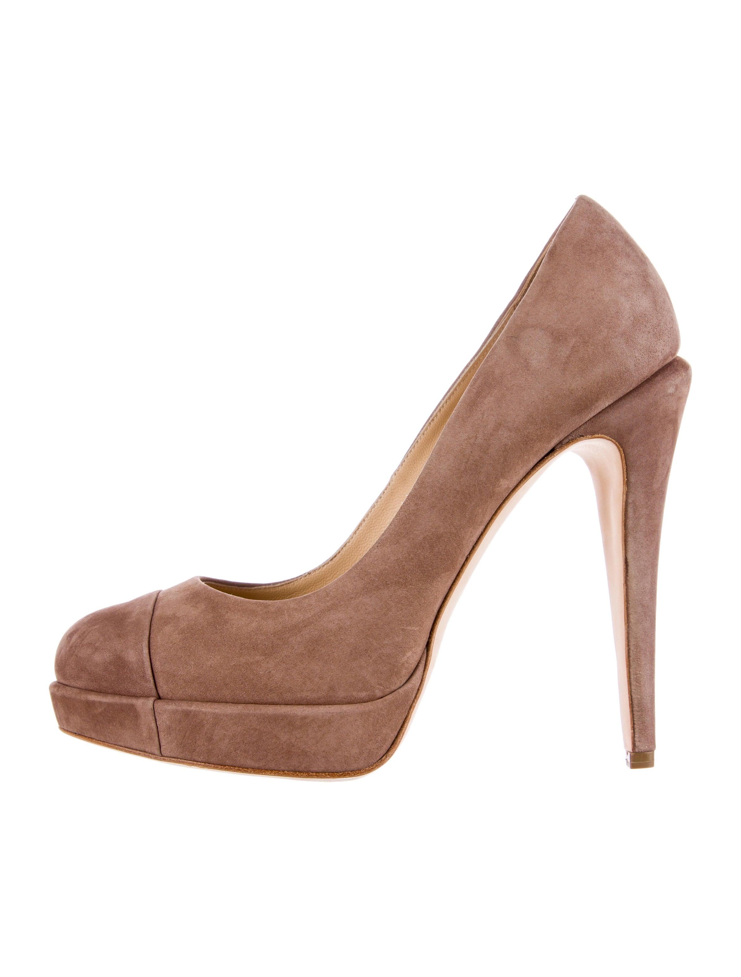 chanel platform pumps shoes cha62443 the realreal