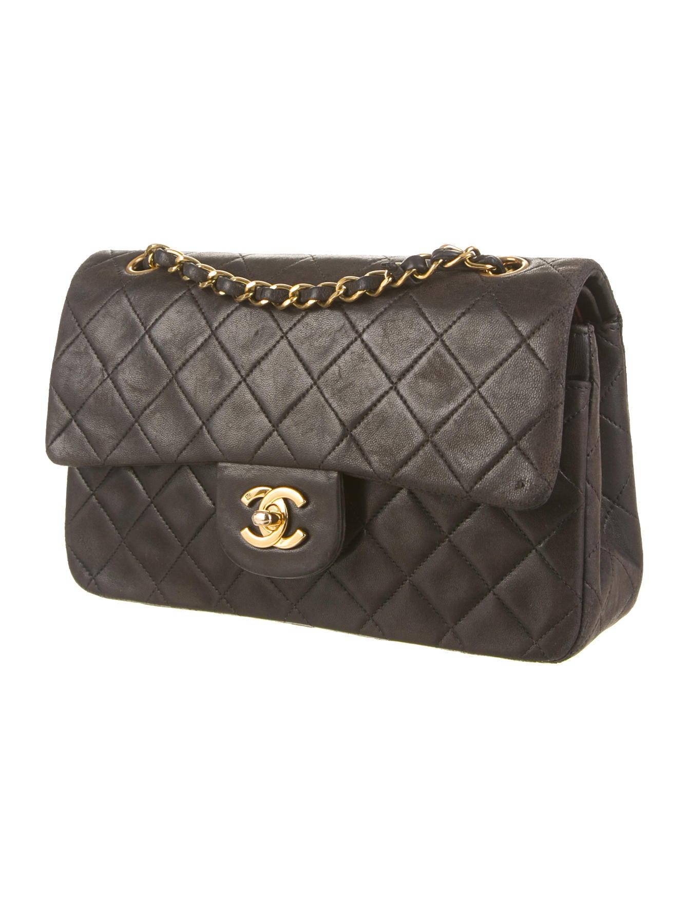 1439655e9f50 Chanel Vintage Classic Small Double Flap Bag - Handbags - CHA64123   The  RealReal