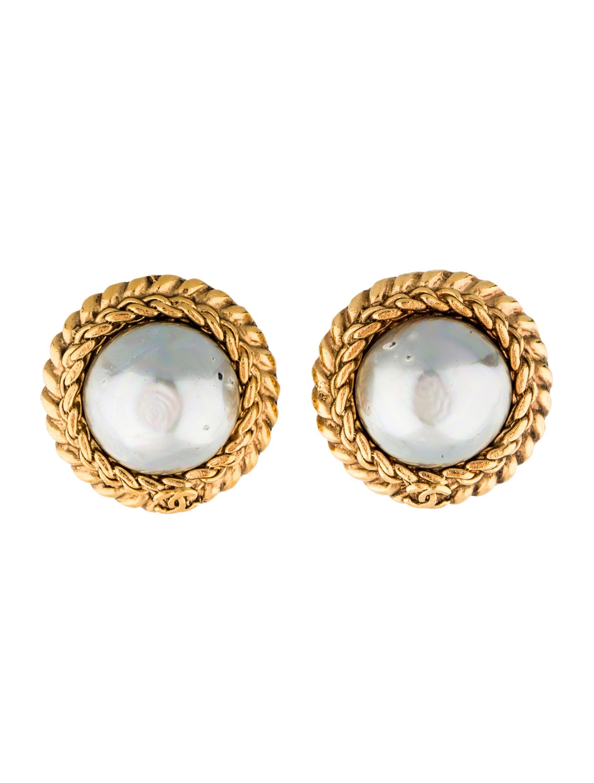 chanel faux pearl clip on earrings earrings cha64309. Black Bedroom Furniture Sets. Home Design Ideas