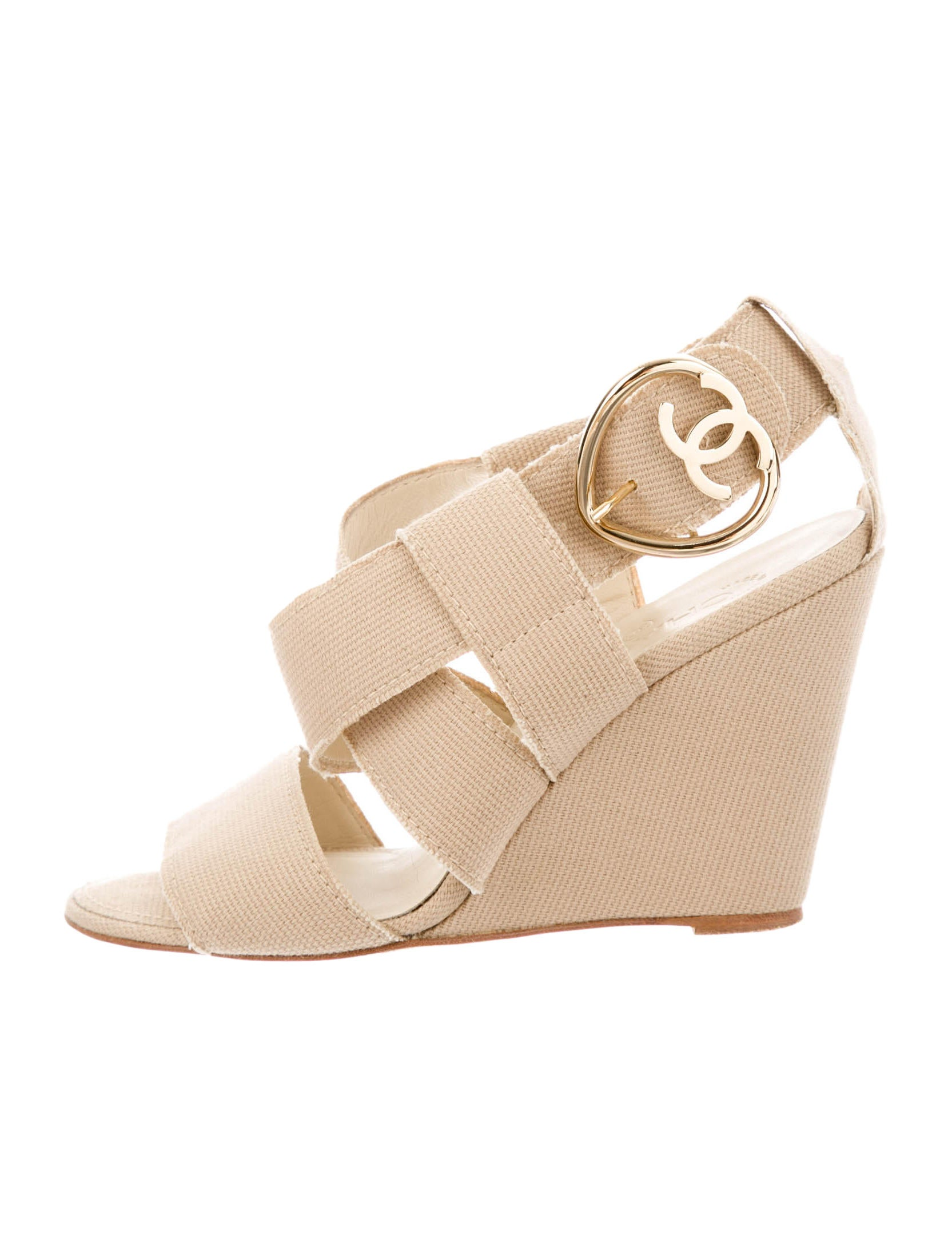 chanel wedges shoes cha74446 the realreal