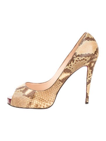 louboutin knockoffs - christian louboutin peep-toe pumps Beige patent leather cork heels ...