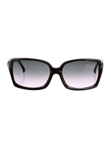 With your Sunglasses Shop discount code you can bag the latest styles from top selling designer brands like Ray-Ban, Chanel and Burberry, to make sure you look the part on your next holiday, business trip or festive occasion in the sunshine.