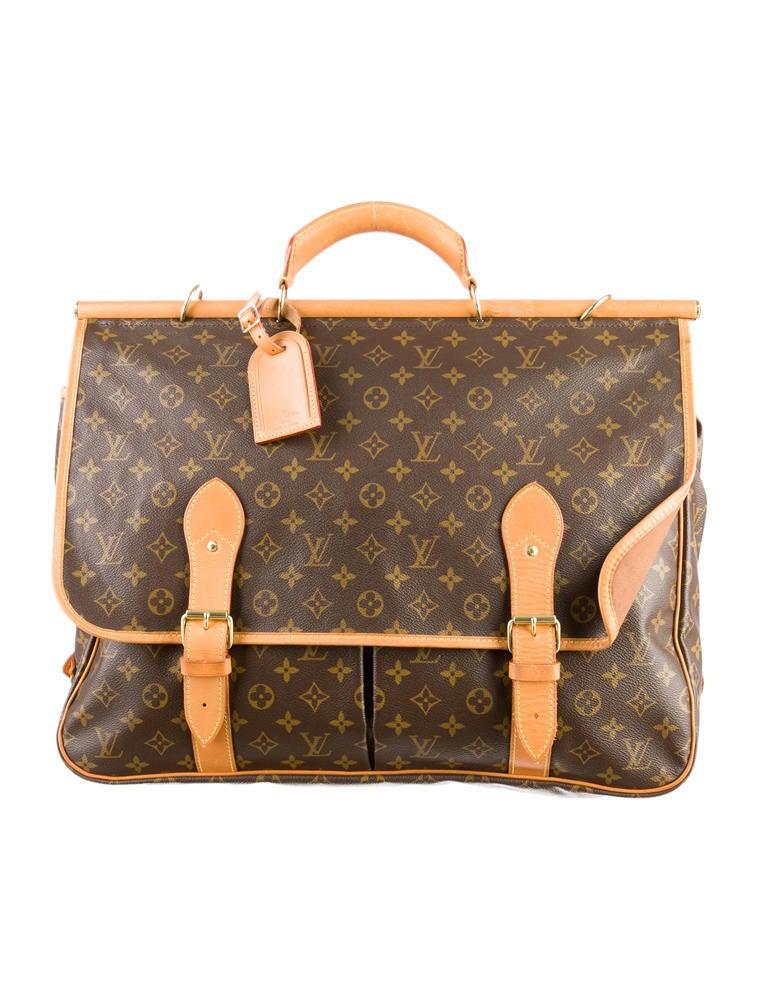 Sac Louis Vuitton Vrai : Louis vuitton sac chasse handbags lou the realreal