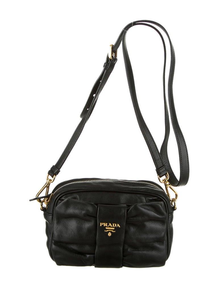 prada saffiano lux tote bag red - Prada Tessuto Bow Crossbody - Handbags - PRA29673 | The RealReal