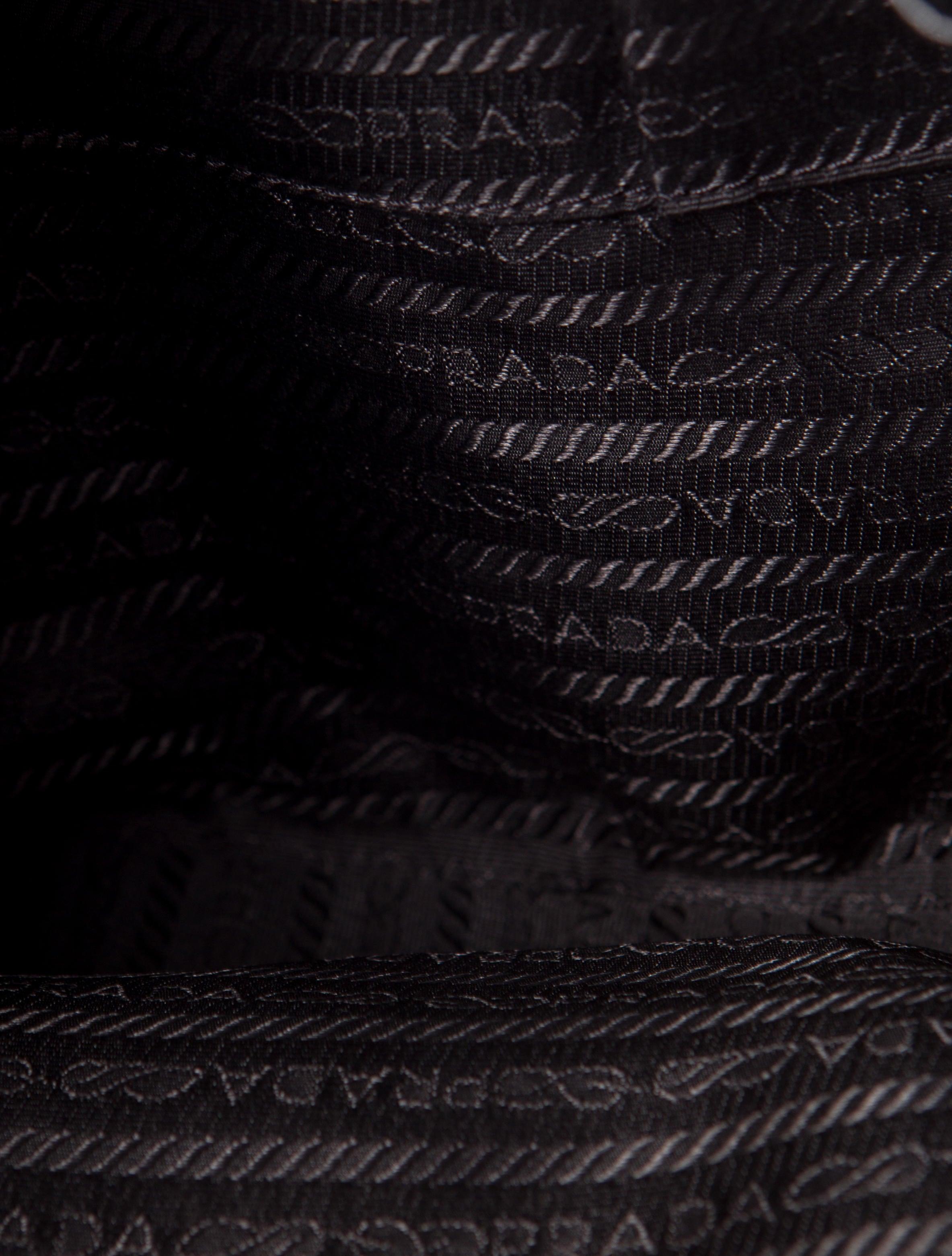prada purple bag - Prada Vitello Daino Chain Bag - Handbags - PRA56792 | The RealReal