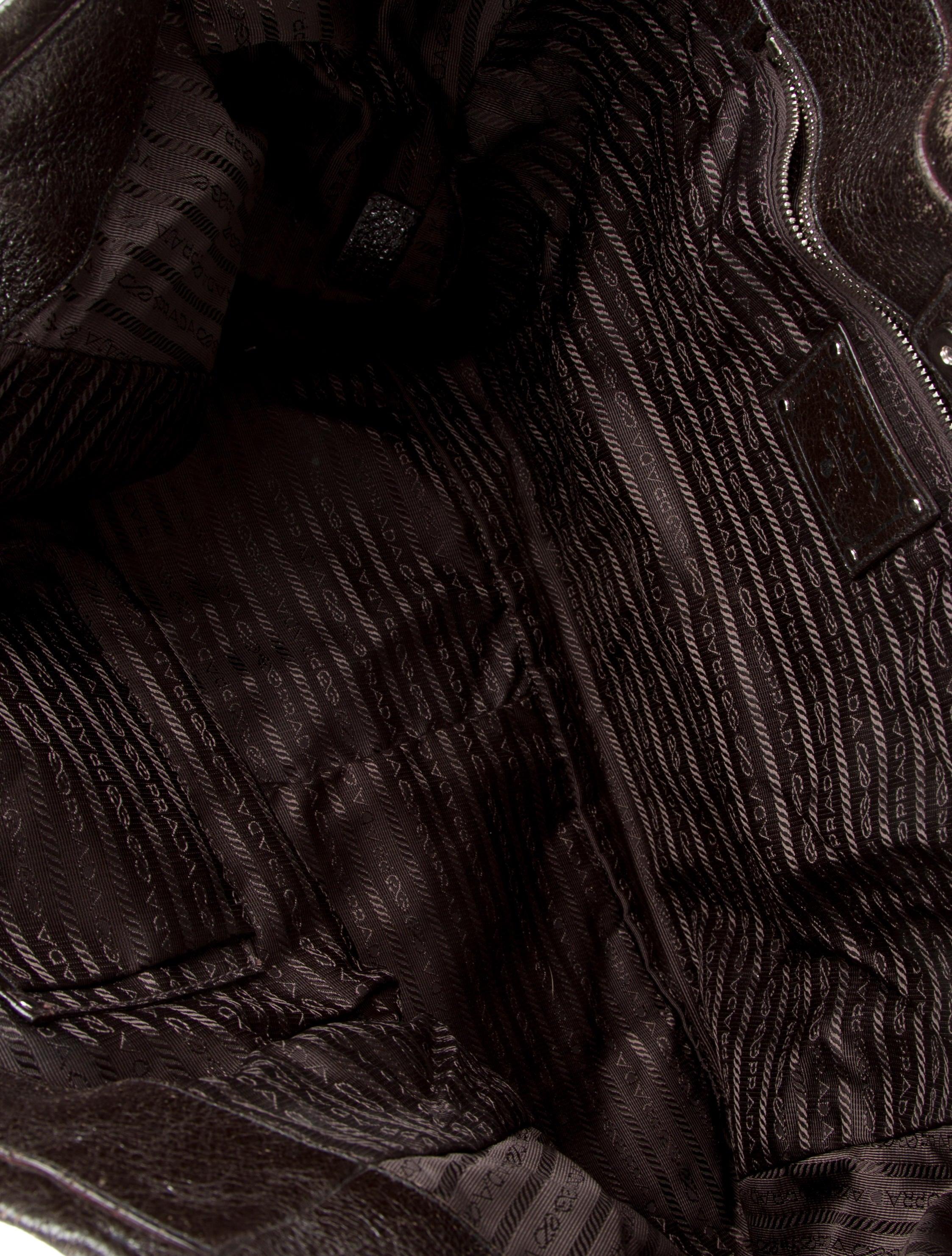Prada Cervo Lux Chain Tote - Handbags - PRA71733 | The RealReal