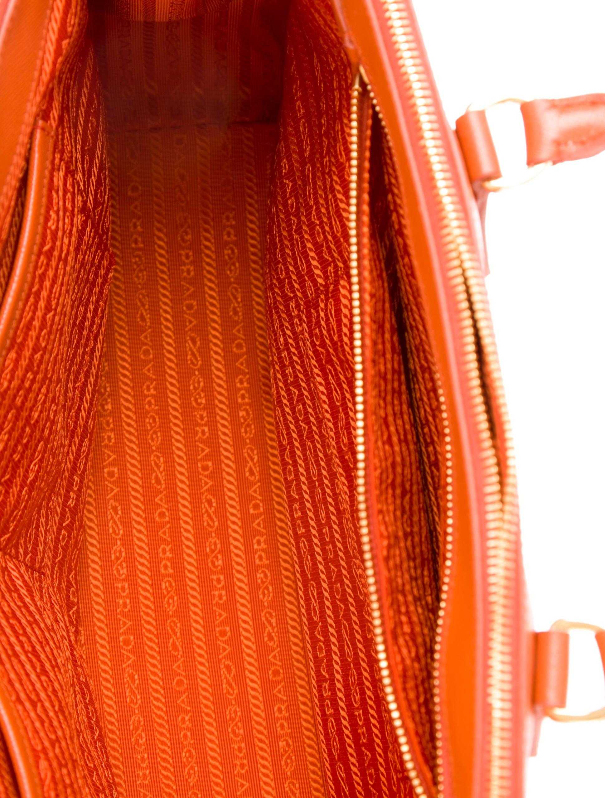 prada medium saffiano lux double-zip tote