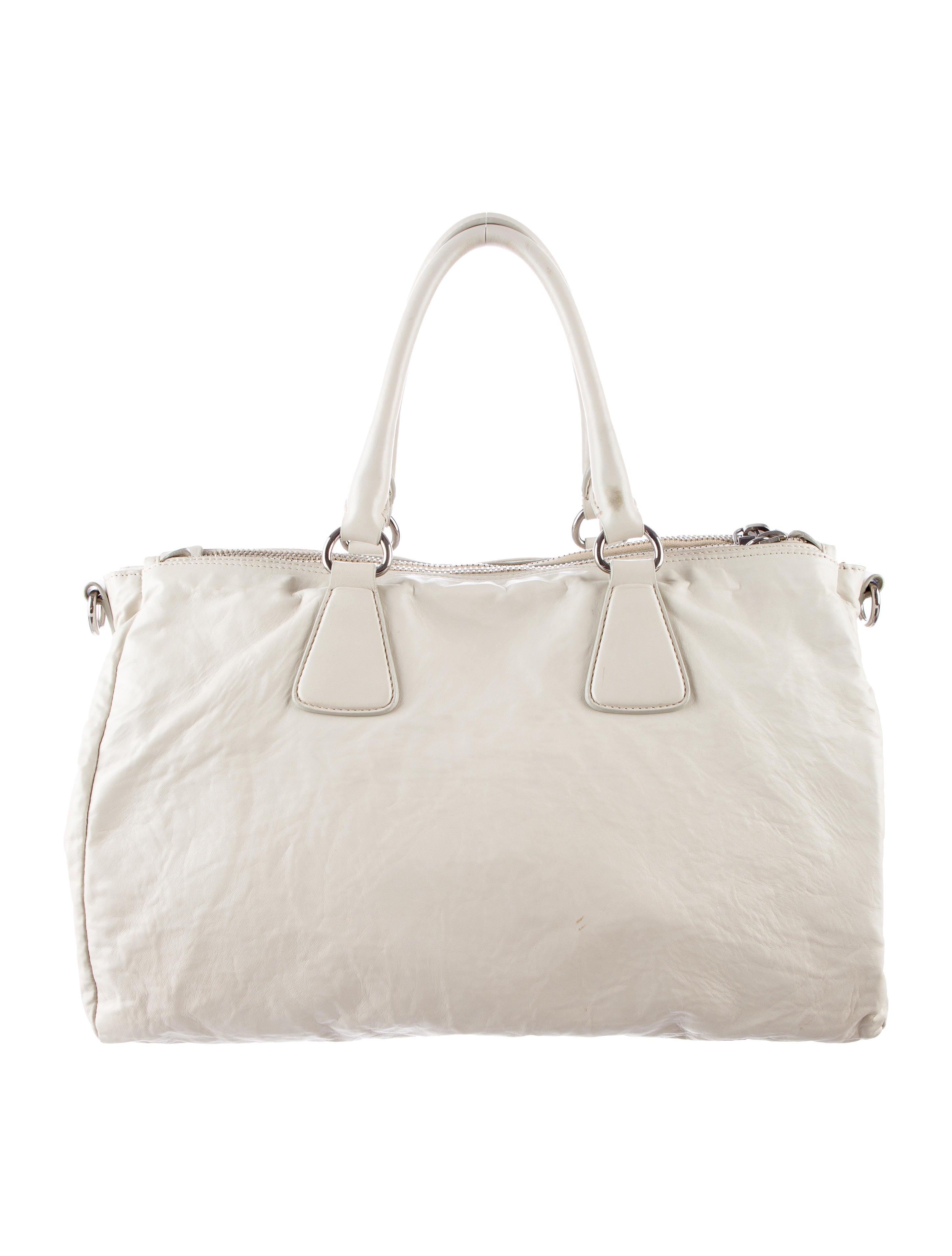prada handbags cheap prices
