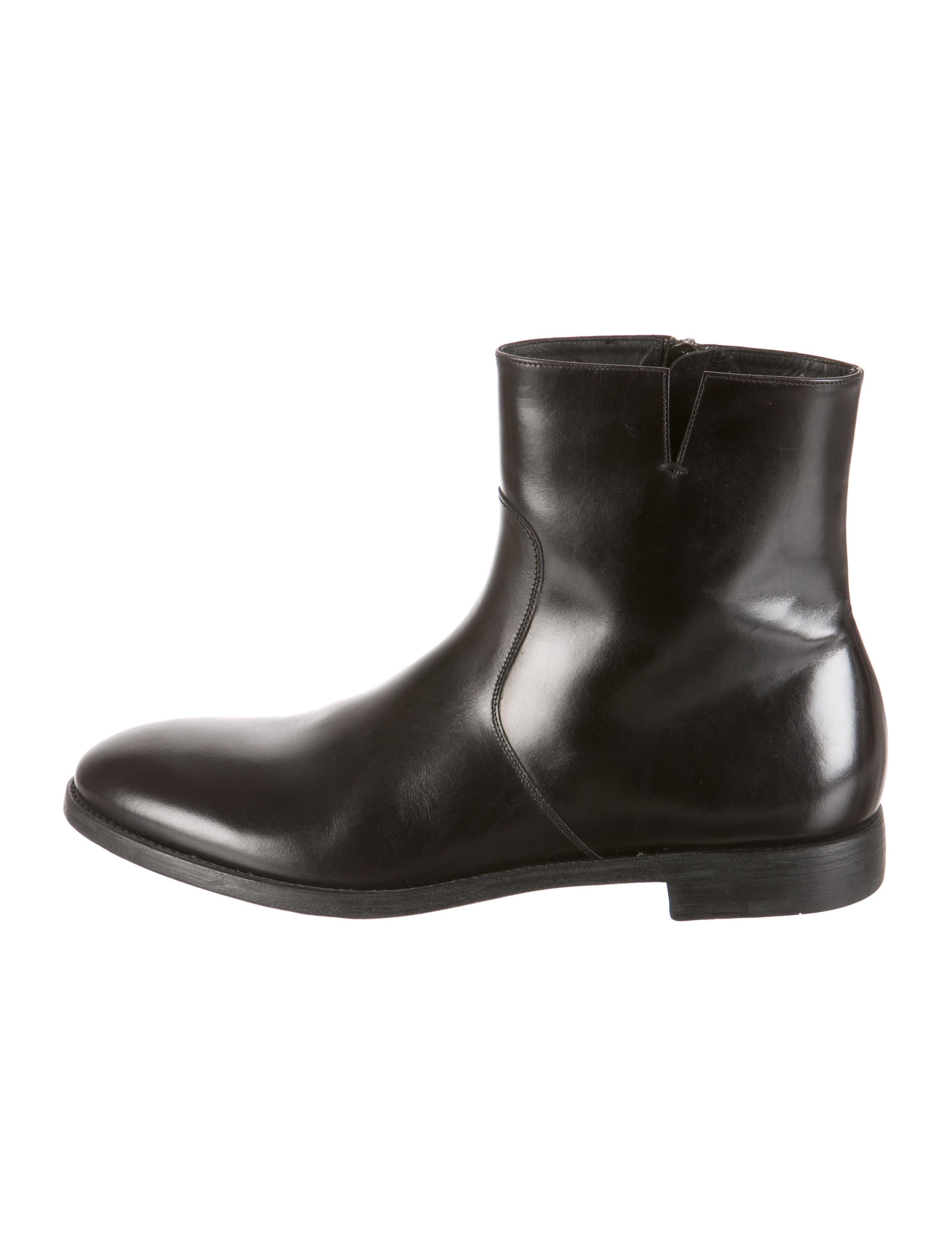 salvatore ferragamo boots shoes sal26017 the realreal
