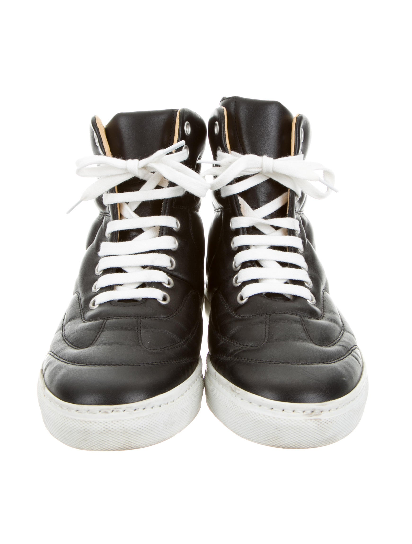 mm6 by maison martin margiela leather round toe sneakers shoes wmm21367 the realreal. Black Bedroom Furniture Sets. Home Design Ideas
