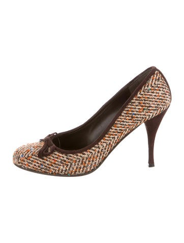 Stuart Weitzman Tweed Round-Toe Pumps None