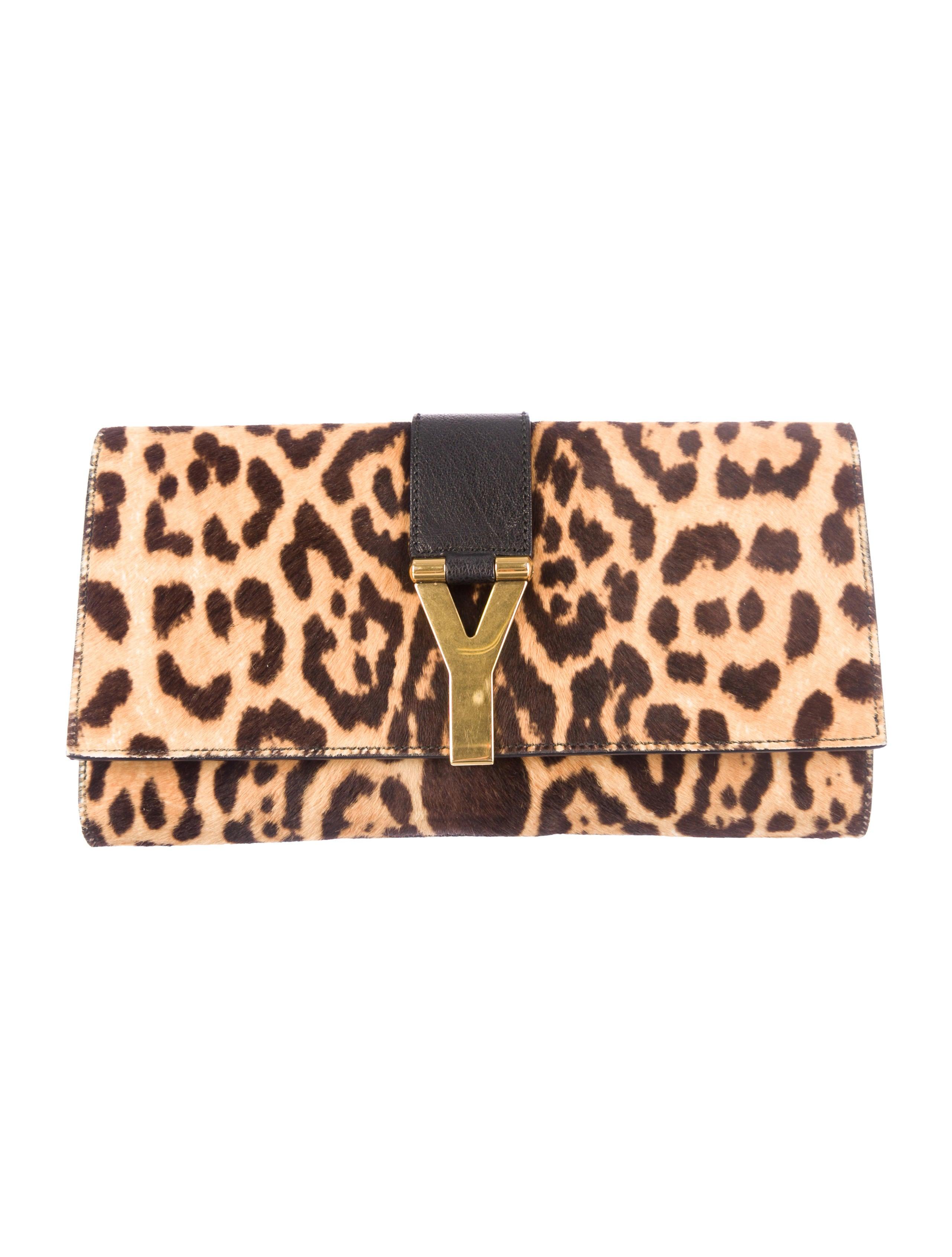 Yves Saint Laurent Chyc Clutch - Handbags - YVE33716 | The RealReal