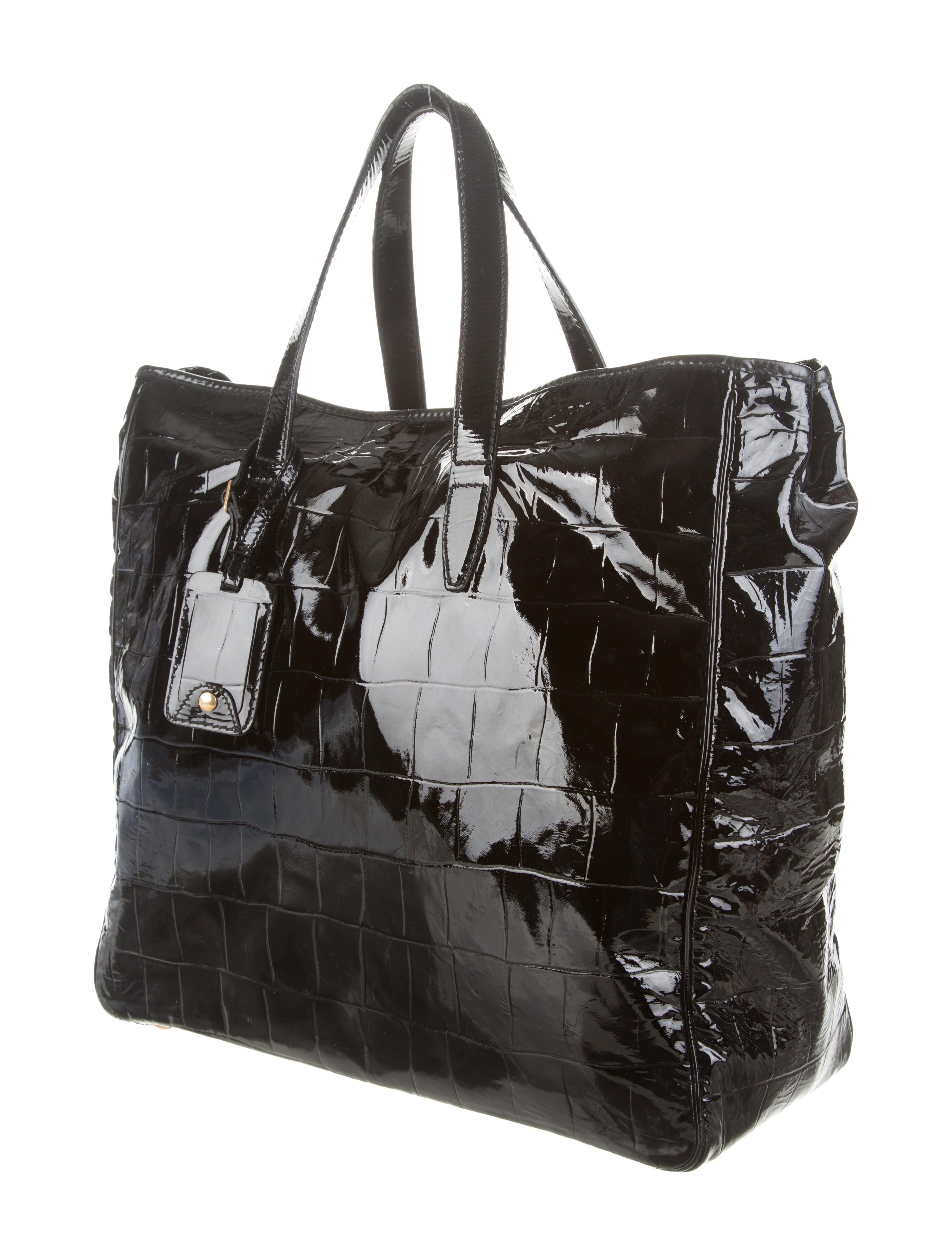 ysl cabas price - Yves Saint Laurent Raspail Tote - Handbags - YVE37752 | The RealReal